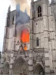 catedral Nantes incendio jul 2020